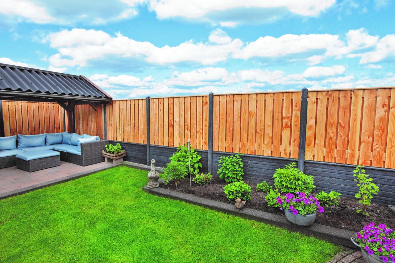 Betonpalen voor tuinschermen 130cm hoog