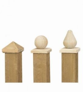 Paalornament hout piramide 8.0x8.0cm